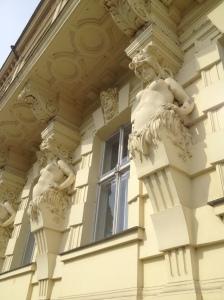 pregnant statues