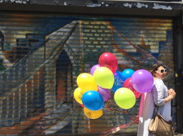 Bklyn Bridge w balloons